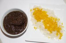 Her ses retten med persisk ris