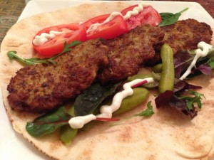 Iranske kotlet. Er du træt af de traditionelle frikadeller? så prøv da den iranske kotteletter. Super lækkert og nemt at lave.