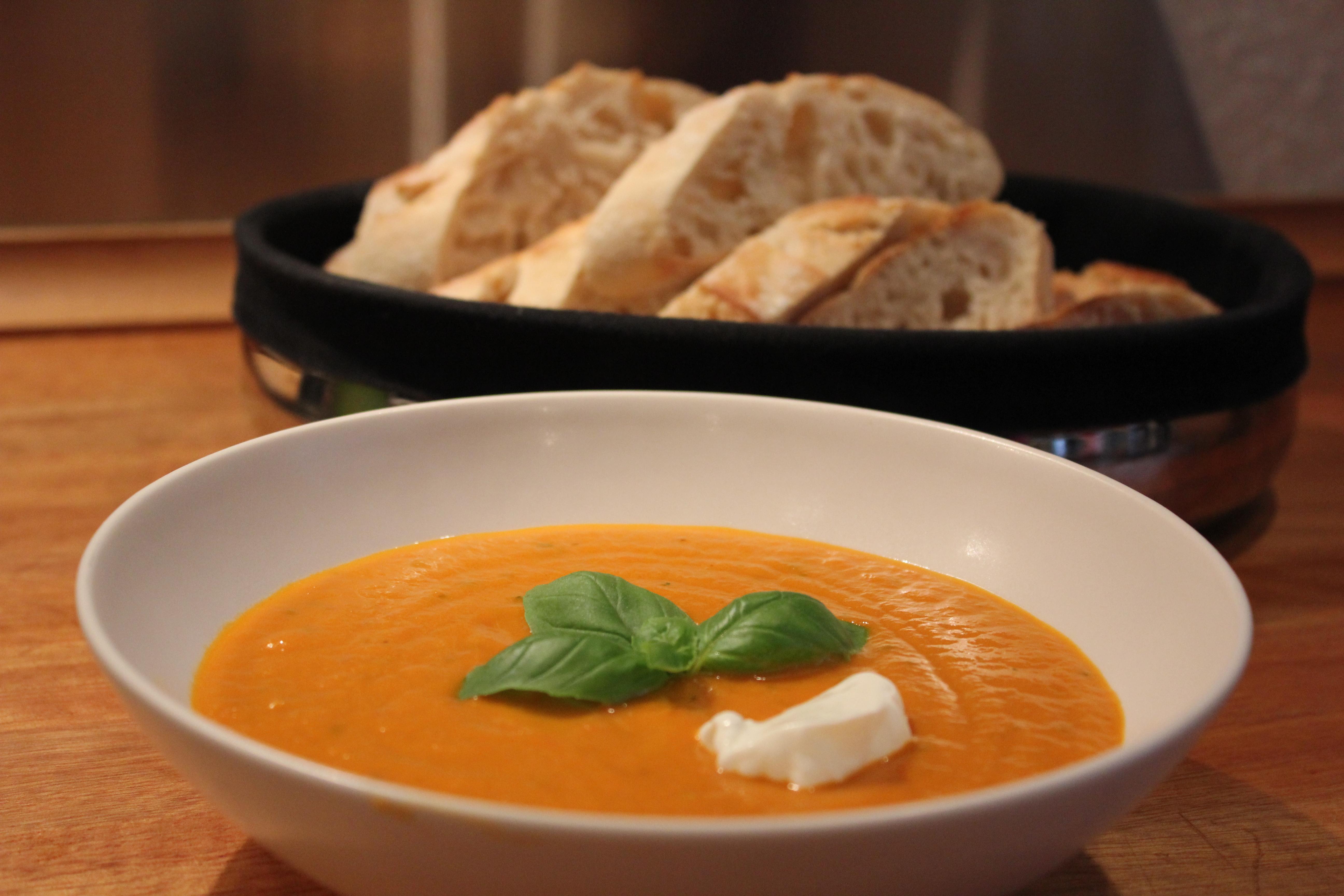 hjemmelavet cremet tomatsuppe
