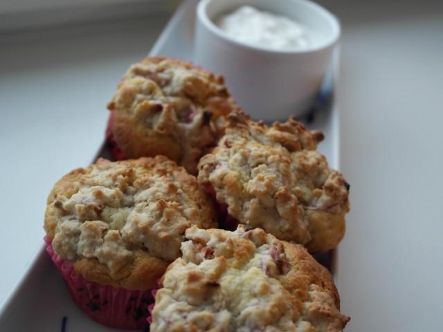 rabarber muffins klar til spisning
