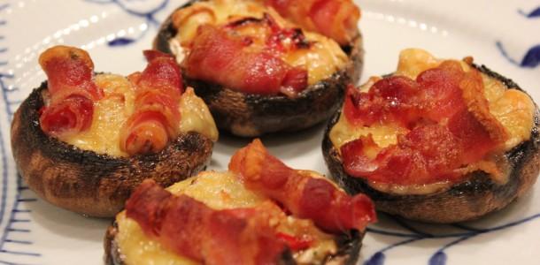 Fyldte svampe - Portobello svampe med brie, chili og bacon
