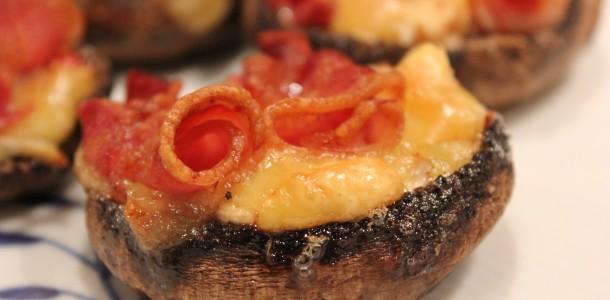 Portobello svampe - Med brieost, chili og bacon