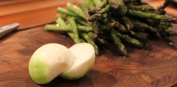 Asparges og løg til suppen