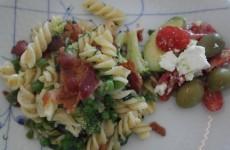 Varm pasta ret med krydderurter