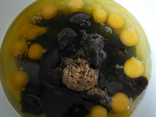 Æg, brun farin og olie