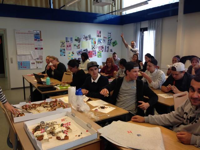 Klassen er meget tilfred med kagen. Hilsen Hg 1s