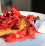 Crépes med jordbær og rabarber