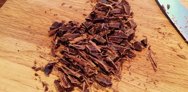 Hakkede chokolade til chokoladesovsen