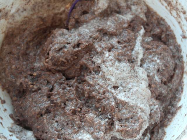 Chokoladedej vend med æggehvider