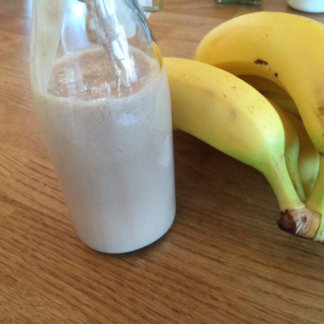 Nutella milkshake med vanilje is og banan