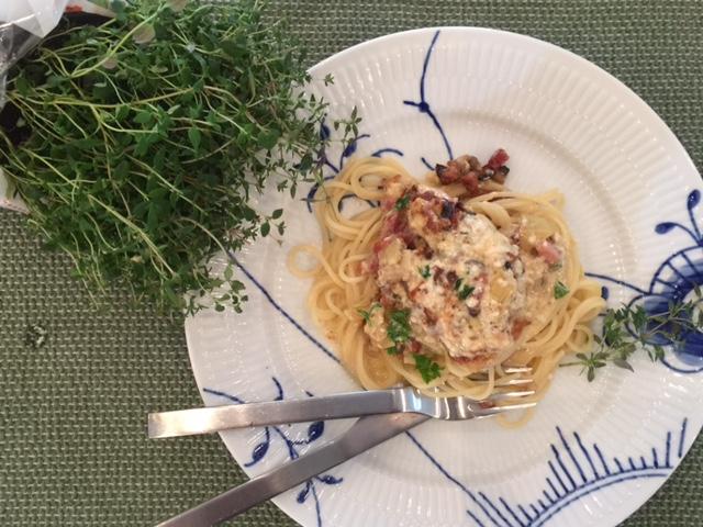 Anret retten og spis sammen med pasta